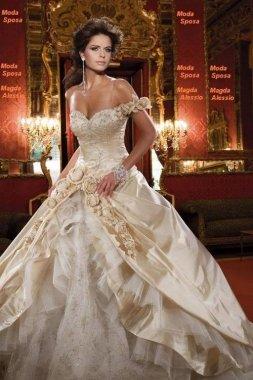 Dámské svatební šaty korzetové