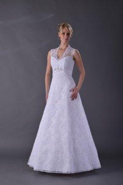 Dámské krajkové svatební šaty